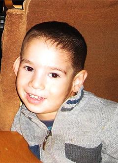 Сеит-Халил Сеитмеметов, 3 года, детский церебральный паралич, требуется лечение. 199620 руб.
