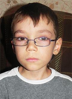 Никита Дроздов, 6 лет, врожденная структурная миопатия (мышечная дистрофия), требуется генетическое обследование. 105732 руб.