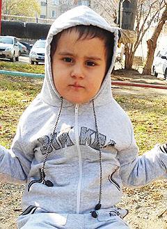 Эрик Иванов, 5 лет, атипичный аутизм, требуется курсовое лечение. 199200 руб.