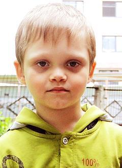 Максим Шибаков, 6 лет, врожденная правосторонняя косолапость, рецидив, требуется лечение. 155000 руб.
