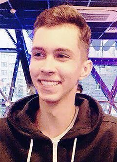 Андрей Вяльцев, 15 лет, деформация грудной клетки 3 степени, реберная дисплазия, требуется операция. 140772 руб.