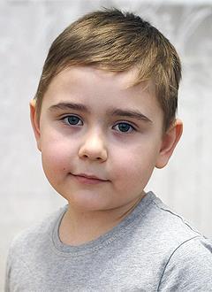 Данис Ханов, 6 лет, врожденный порок сердца, спасет эндоваскулярная операция, требуется окклюдер. 91450 руб.
