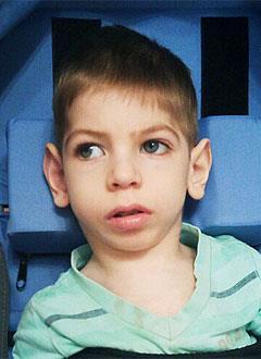 Артем Журавлев, 5 лет, детский церебральный паралич, спастический тетрапарез, требуется инвалидная коляска. 326911 руб.
