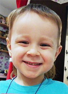 Егор Петров, 3 года, сахарный диабет 1-го типа, требуется инсулиновая помпа и расходные материалы к ней. 208945 руб.