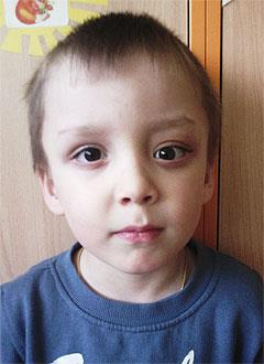 Кирилл Кириллов, 5 лет, опухоль в основании черепа, спасет операция. 484551 руб.