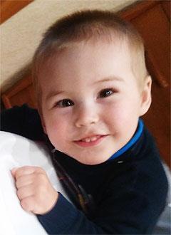 Даня Газиев, 2 года, детский церебральный паралич, требуется лечение. 199430 руб.