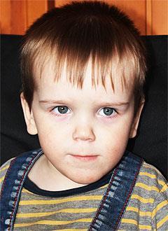 Тима Надеев, 6 лет, детский церебральный паралич, требуется курсовое лечение. 199200 руб.