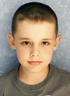 Паша Берсенёв, 9 лет, врожденная двусторонняя косолапость, рецидив, требуется лечение. 206150 руб.