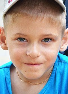 Максим Васильков, 9 лет, детский церебральный паралич, требуется лечение. 199430 руб.