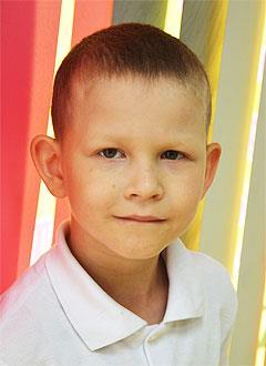 Влад Максимов, 6 лет, врожденный порок сердца, требуется замена электрокардиостимулятора. 612396 руб.