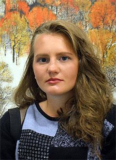 Катя Ситникова, 16 лет, S-образный сколиоз 3-й степени, требуется два специальных корсета и лечение. 154400 руб.