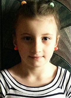Ксюша Коробейникова, 8 лет, врожденный порок сердца, спасет эндоваскулярная операция. 339063 руб.