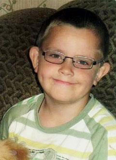 Дима Ревякин, 10 лет, ювенильный ревматоидный артрит, спасет лекарство. 967820 руб.
