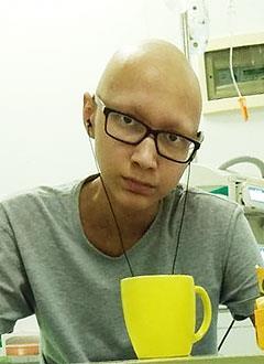 Руслан Акыев, 16 лет, злокачественная опухоль – саркома Юинга, требуется лучевая терапия. 184450 руб.