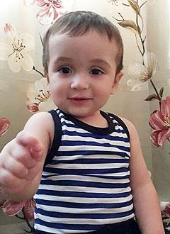 Муовия Ильёсов, 1 год, туберозный склероз, симптоматическая фокальная эпилепсия, требуется лекарство. 332010 руб.