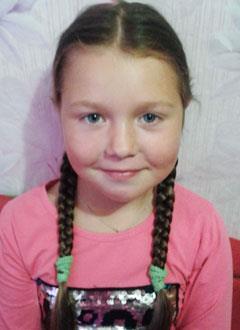 Лиза Шестакова, 7 лет, нарушение ритма сердца, атриовентрикулярная блокада 3-й степени, спасет замена электрокардиостимулятора (ЭКС). 612396 руб.