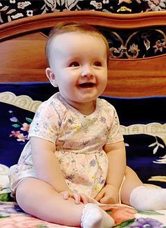 Вера Андриенко, 9 месяцев, деформация черепа, требуется лечение специальными шлемами. 180000 руб.
