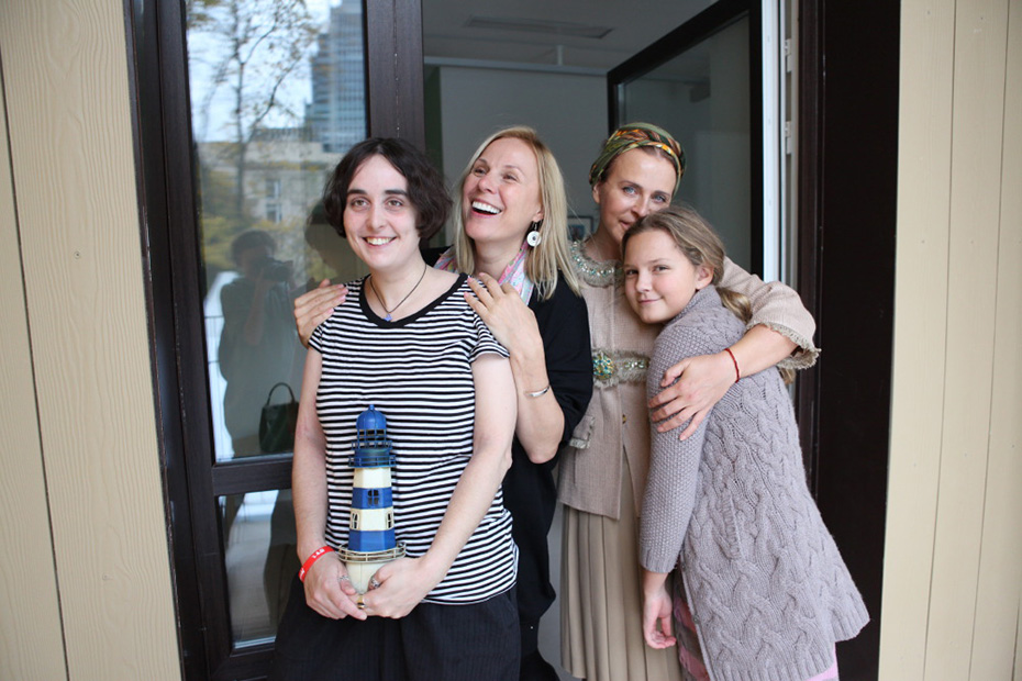 Директор благотворительного фонда «Дом с маяком» Лида Мониава и актриса, учредитель фонда «Подари жизнь» Дина Корзун
